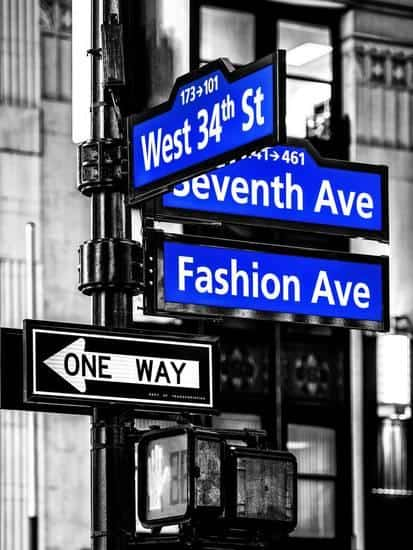 Poshmark Review - The Best Thrift Shops In NYC - Poshmark Sharer